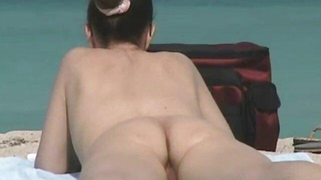 Omegle chica mostrando tetas penetrada por el ano
