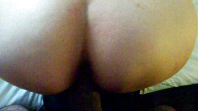 Adorable adolescente le gusta el sexo porno solo por el ano anal