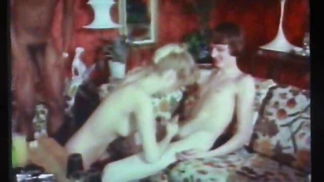 Milf lesbianas xxx porno por el ano complaciendo por turno