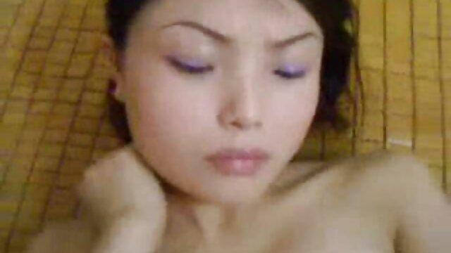 La linda videos pornos x el ano gordita Chloe chupa una polla mala