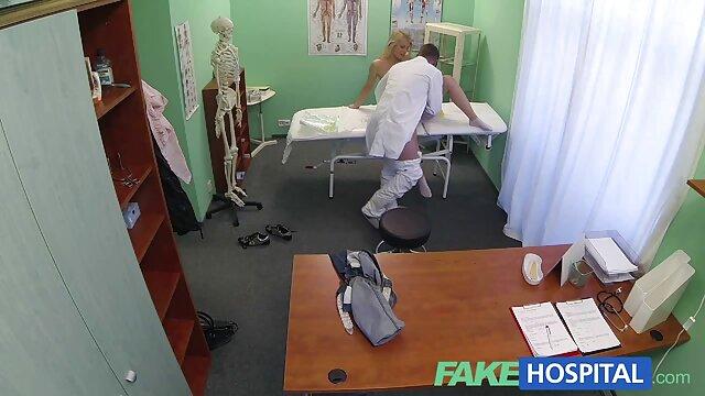 Renee videos xxx x el ano de ATKHairy muestra su coño peludo, piernas y axilas