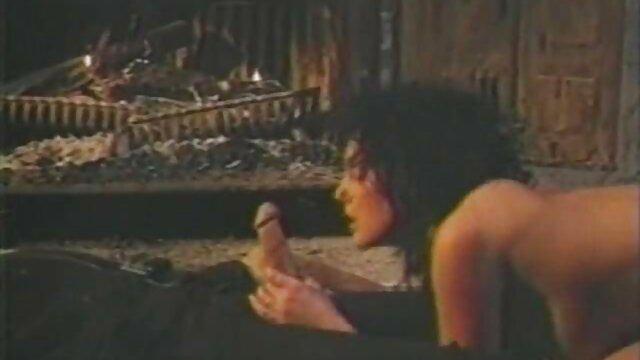 Jenna J Ross cojidas por el ano usa el Hitachi para quitarse el coño mojado