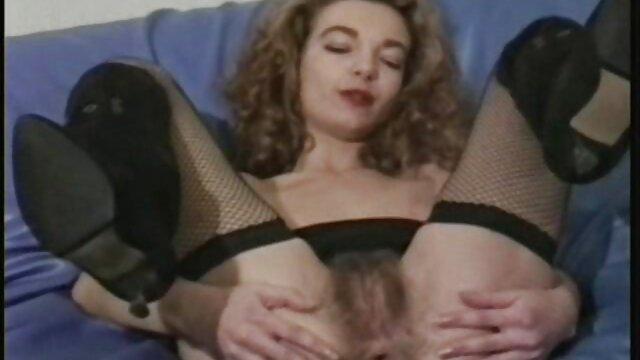 Chica webcam por el ano no xxx se sienta en un juguete