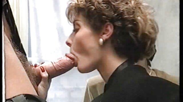 Adolescente hambrienta las mejores cojidas por el ano de polla es follada por el culo en cámara
