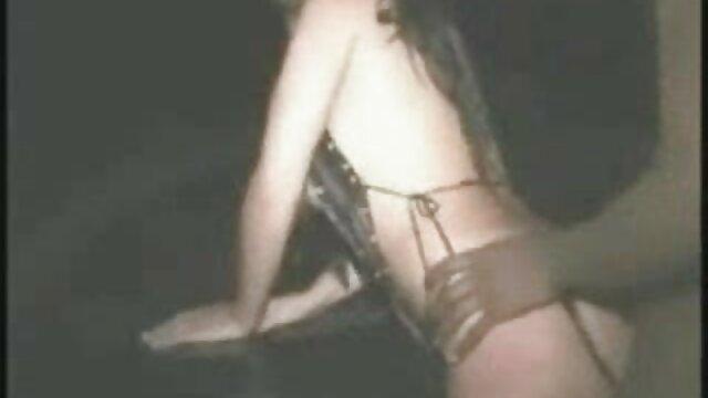 MILF pornografía por el ano sexy en solitario
