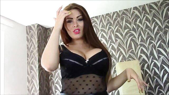 hermosa bbw mostrando sus porno por el lano curvas antes de un polvo
