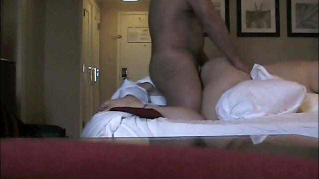 Madison: Atado porno gratis por el ano y cosquillas