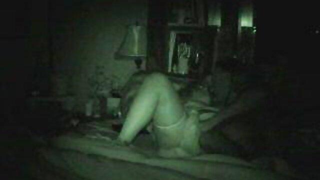 Randi Storm porno virgen por el ano - Policías haciendo un trío con DP