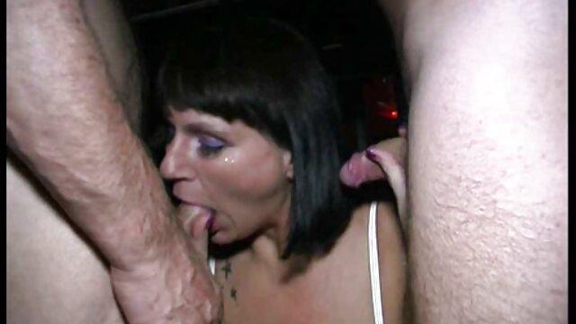 Señora de mujeres siendo penetradas por el ano la oficina se folla a su empleado